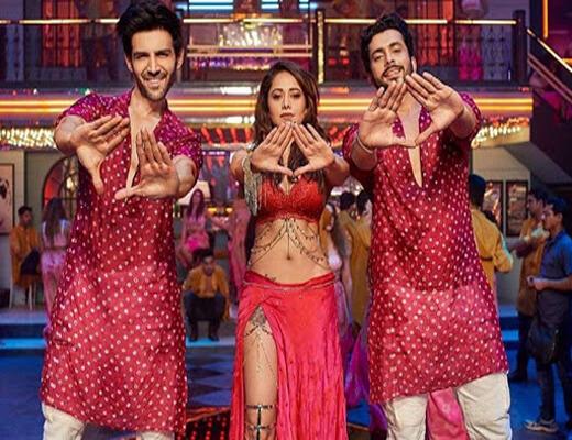 Chhote-Chhote-Peg---Sonu-Ke-Titu-Ki-Sweety---Lyrics-In-Hindi (1)