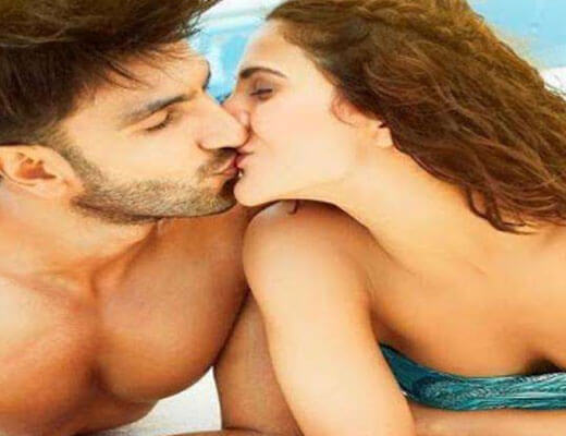 Labon Ka Karobaar - Befikre - Lyrics in Hindi