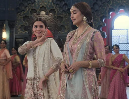 Ghar More Pardesiya - Kalank - Lyrics in Hindi